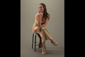 坐凳子喝咖啡的欧洲女人 咖啡杯 高跟鞋 8K贴图【模型】